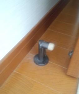 部屋扉のアレルギー対策掃除02