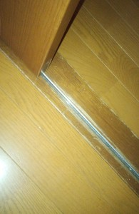 部屋扉のアレルギー対策掃除04